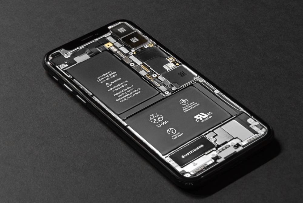 网友自制iPhone散热铜板手机壳 被众人怒怼
