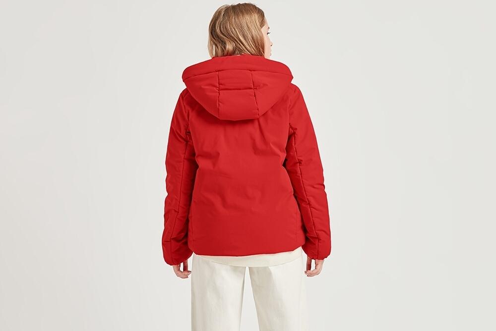 优衣库推出高性能复合外套 秋冬保暖又一选择