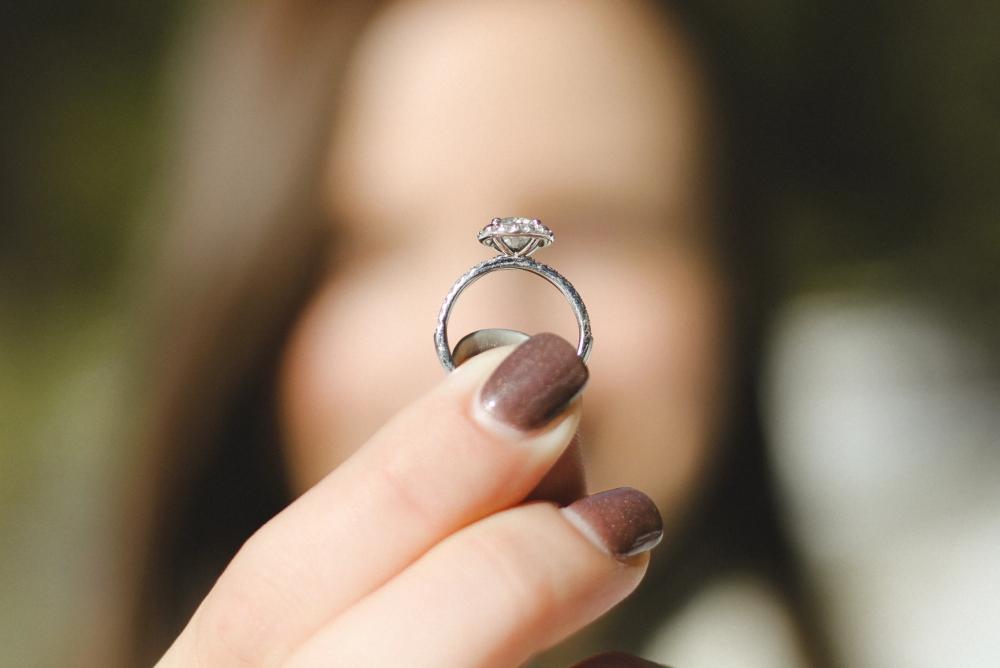 珠宝品牌推宝可梦主题婚戒 两只皮卡丘甜蜜相依