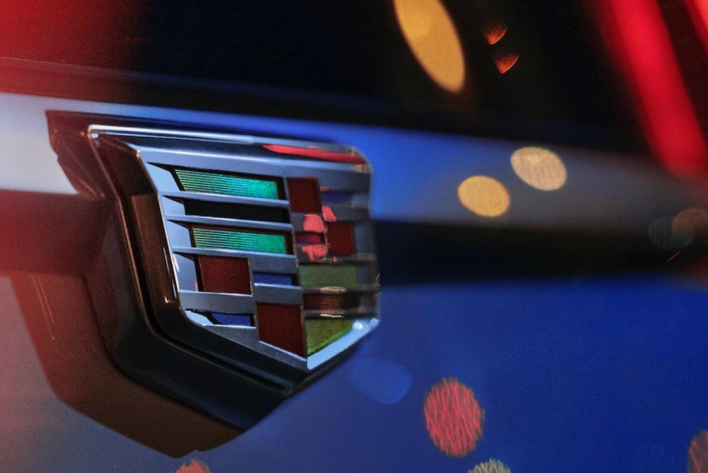 传统汽车行业最大 新凯迪拉克将配38寸OLED屏