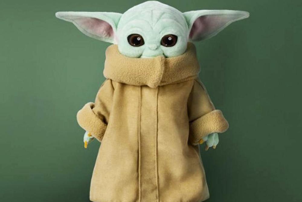 迪斯尼发布新款儿童尤达毛绒玩具