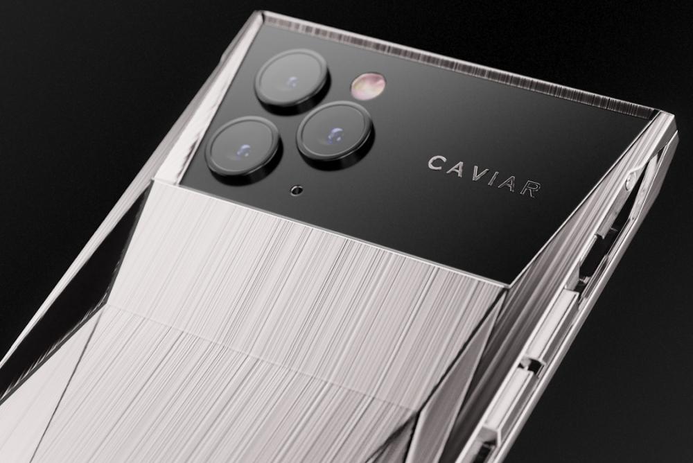 Caviar推钛金换壳版iPhone 11 Pro 向特斯拉皮卡致敬
