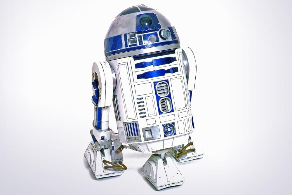 达人将扫地机改造成星战机器人 扫地拖地样样行