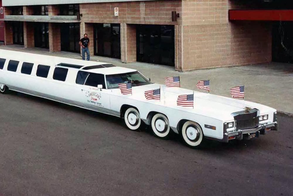30.5米 车上带泳池!世界最长汽车正在修复中