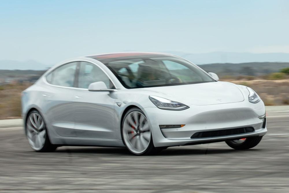 最有性价比的特斯拉 其实是Model 3高性能版