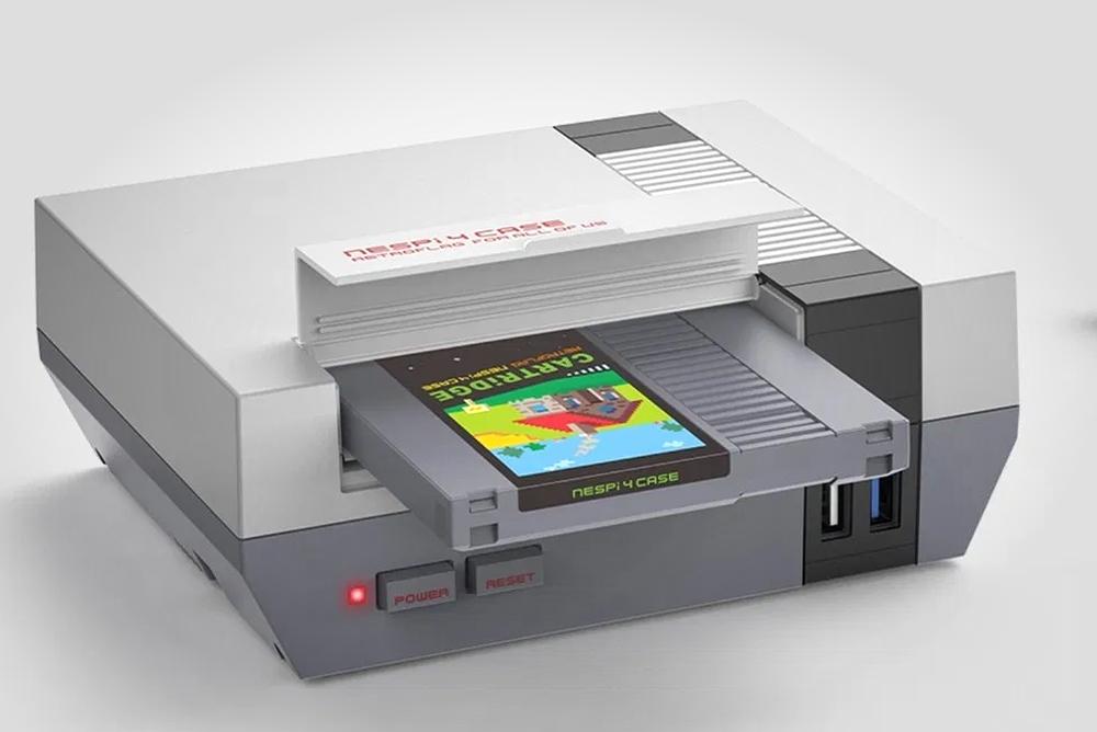 定制树莓派模拟出可运行《Doom》的NES卡带
