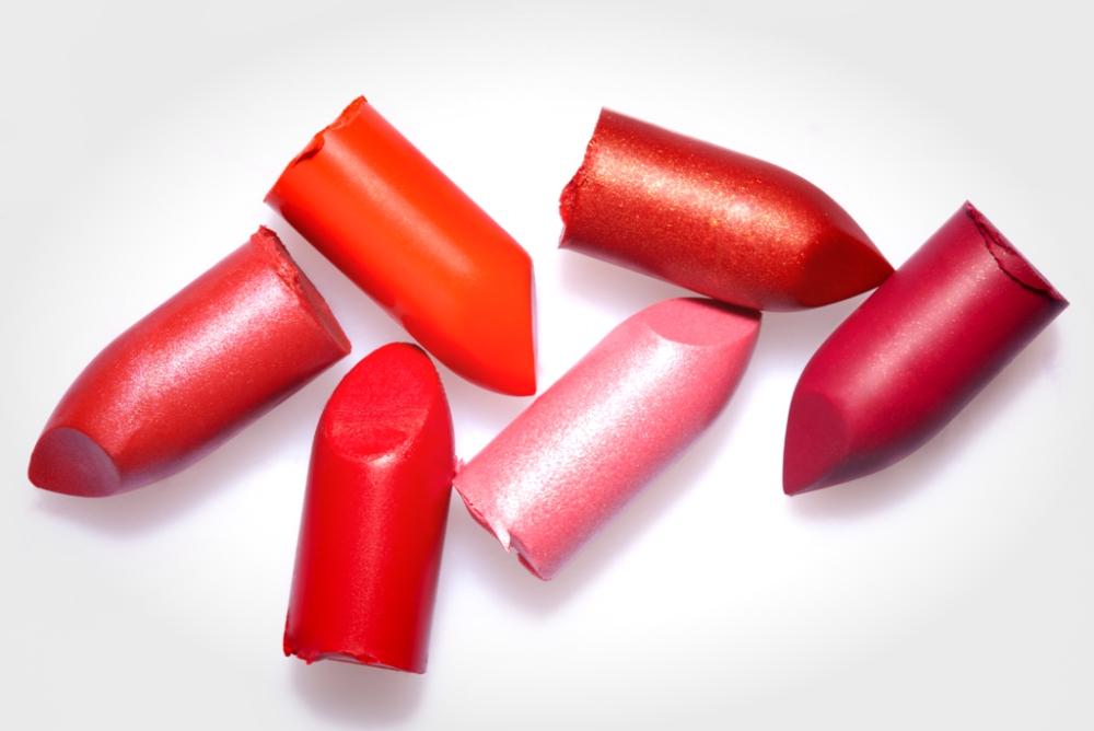 YSL的个人定制口红设备可以创造出用户想要的颜色