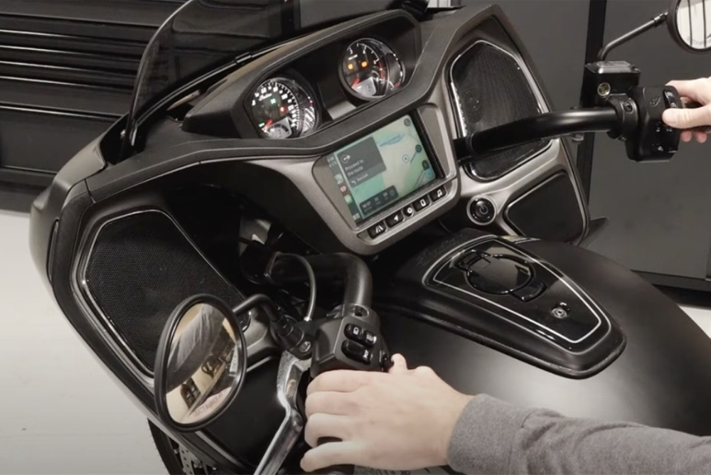 印第安摩托上马CarPlay车载系统 配7英寸显示屏