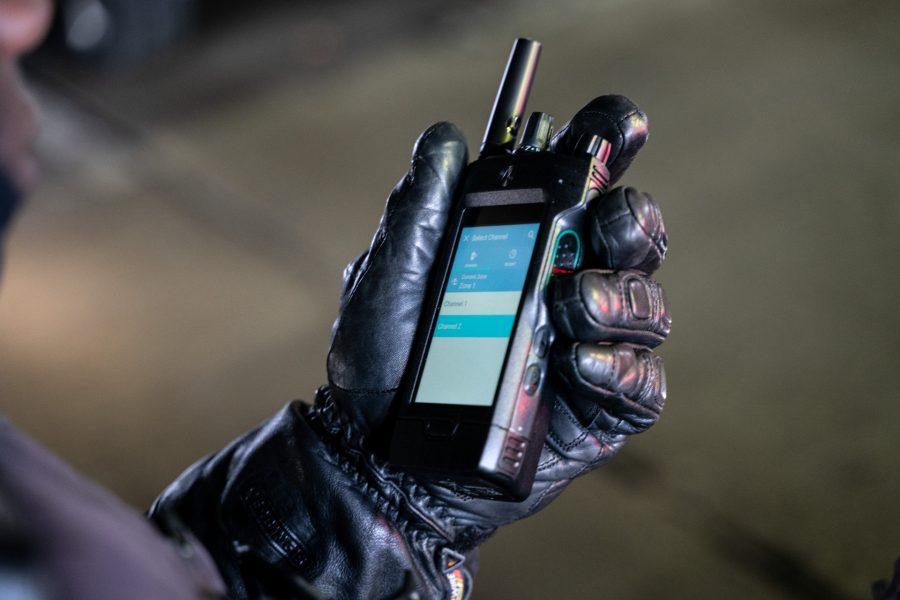 摩托罗拉对讲机首次用上触摸屏 比手机还好用?