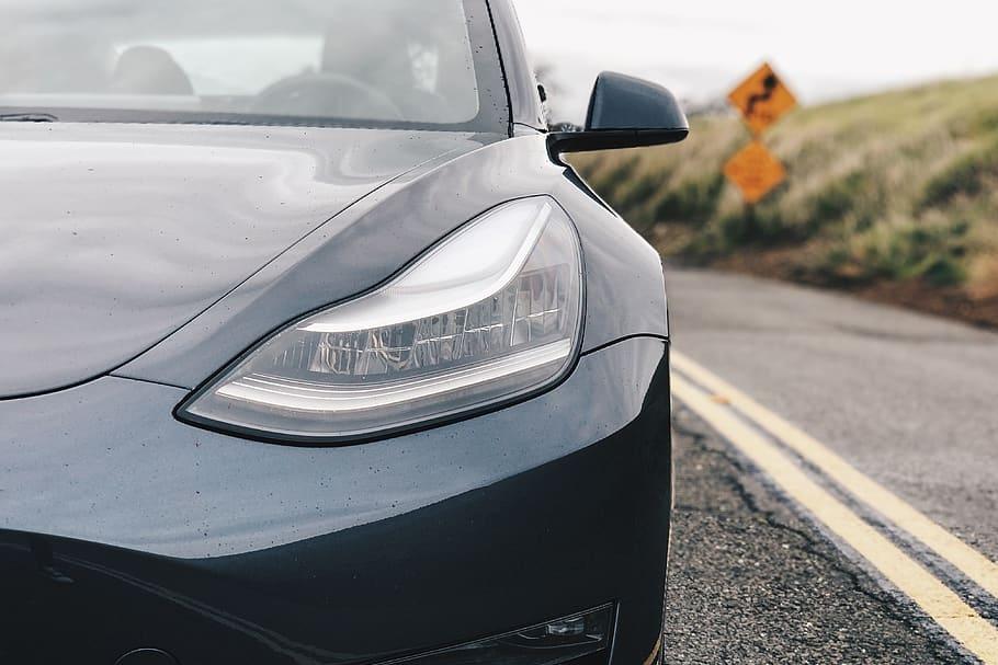 特斯拉App大面积宕机 众多车主被困车内无法解锁