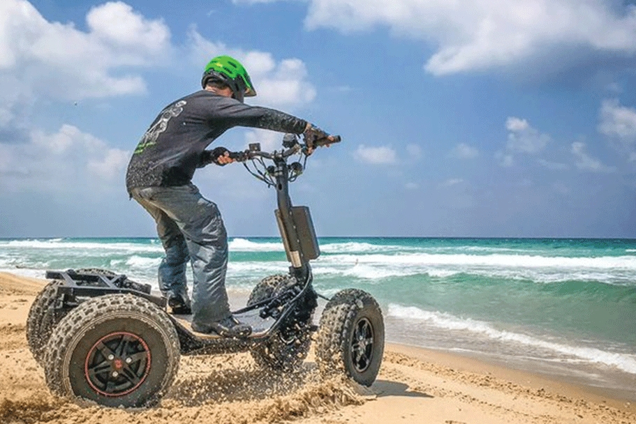 美军测试四轮军用电动滑板车 车身重达200公斤