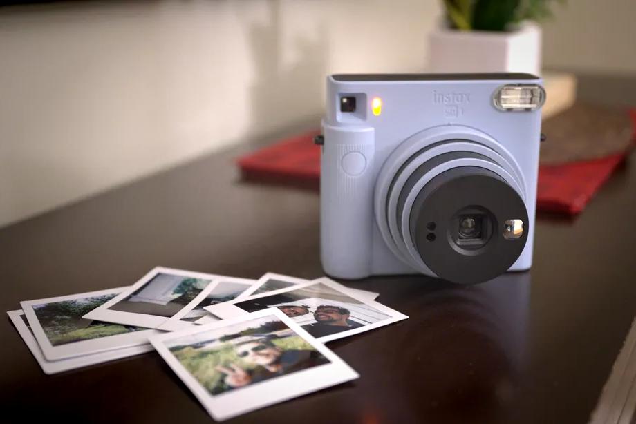 富士发布即时相片照相机 可简化自拍方式