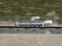 超级高铁Hyperloop完成首次露天测试:百公里加速仅1.1秒