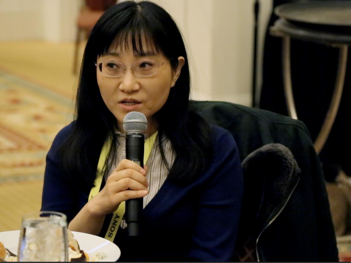 新智元杨静:中国汽车技术与美国比并不差 或有弯道超车机会