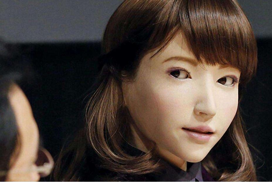 """日本推出机器人""""妻子"""":功能齐全以假乱真"""