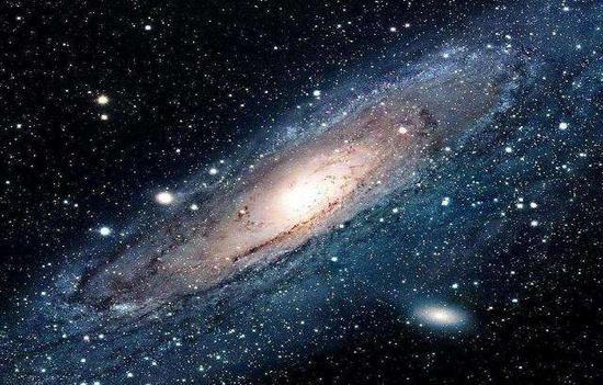 宇宙第一批恒星和星系形成时间或更早
