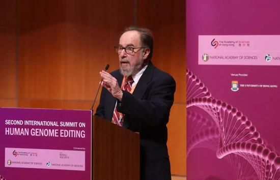 巴尔的摩在国际人类基因组编辑峰会上进行主席发言 图片来源:http://www.chinadaily.com.cn