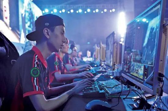游戏行业发展突飞猛进  2010年中国游戏行业总产值近350亿元 到了2019年则达到了2308亿元
