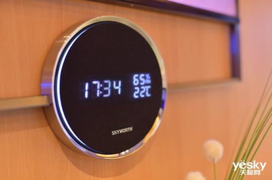 新的設計,這一模塊可顯示時間、溫度、溼度,似乎還是喇叭