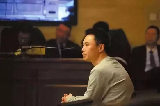 王欣在一审的法庭上说:「?#23490;?#25104;就不了陌陌的今天,假货也成就不了?#21592;?#30340;今天」