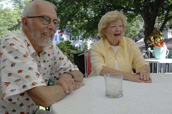 威廉和妻子瑪麗[2]