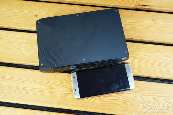 长度比5.5寸的S7e手机也没超多少