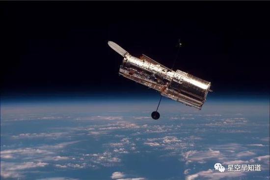 天文史上的今天:哈勃空间望远镜 生日快乐!