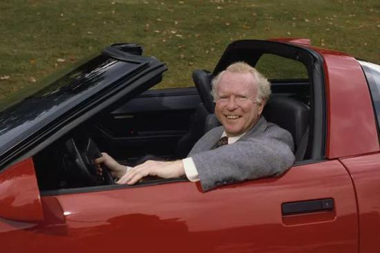 图|RogerSmith,20世纪80年代通用汽车公司的CEO