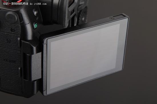 ▲翻转屏的效果很好,手动对焦配合峰值也可以做到精确到位。