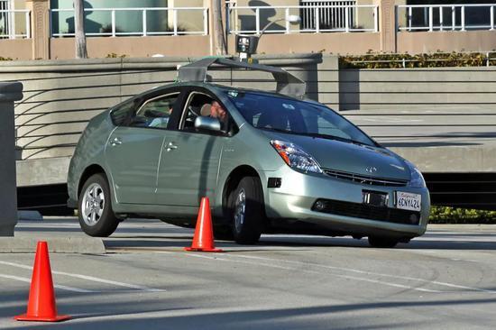 2009年的Google自动驾驶汽车