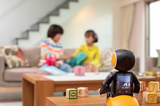 夏普推出的最新智能机器人可以为你看家护院(图片来源:bing)