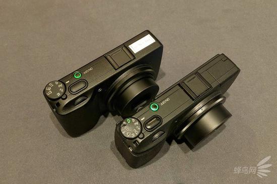 理光GR III(左)对比理光GR II(右)