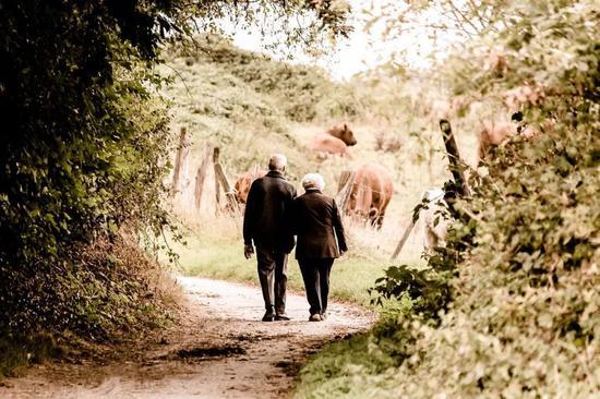 阿兹海默病是贼,它偷走了我们最宝贵的记忆