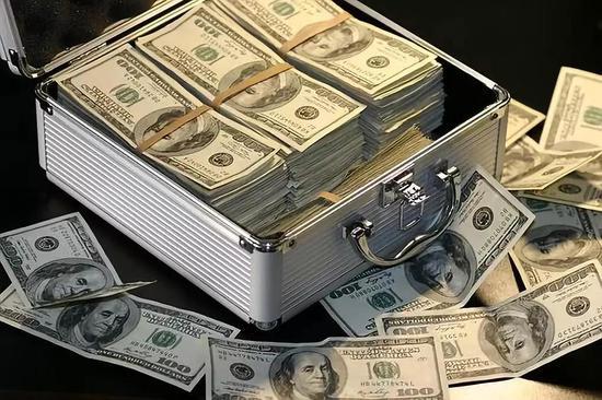 政府和军方向人工智能领域投入了大量的经费。?#35745;?#26469;源:Pixabay