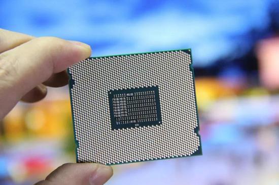 英特尔不敌日本企业,最终放弃半导体存储业务,进入微处理器领域