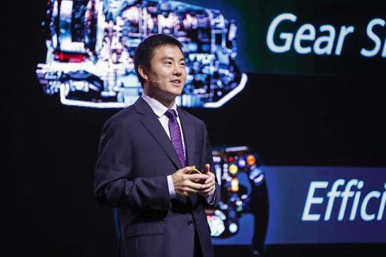 华为无线网络产品线总裁邓泰华发布华为最新5G全系列解决方案