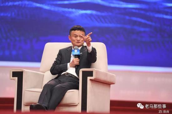 365bet视讯平台_《在远方》刘爱莲为何被姚远爱不释手?从态度能看出,对他的维护