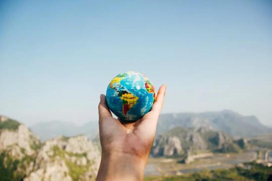 地球这么大,如何给它测体重?地球质量万有引力体重