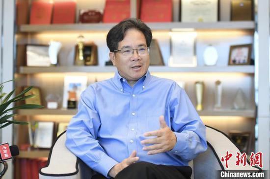 资料图:全国人大代表、贝达药业股份有限公司董事长兼首席执行官丁列明。 王刚 摄