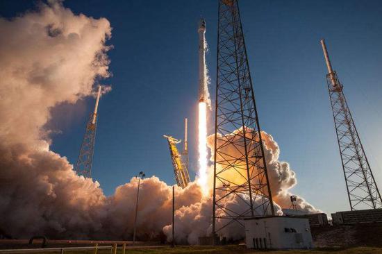 不吹不黑,谈谈SpaceX的壮举