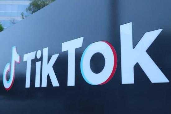 ↑ 这是8月21日在美国加利福尼亚州洛杉矶县卡尔弗城拍摄的TikTok公司标志。(新华社)