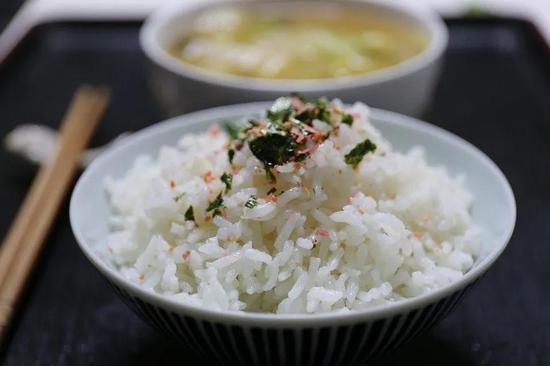 知名跨国研究发现,多吃白米饭,糖尿病风险更高?需要担心吗?