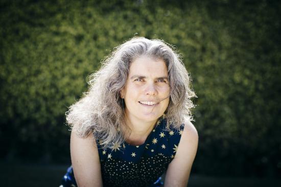 安德莉娅·盖兹(Andrea M。 Ghez,1965-) 丨图源:Elena Zhukova/University of California