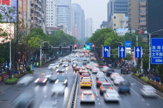 国产特斯拉再降价,马斯克想掀翻中国车市?