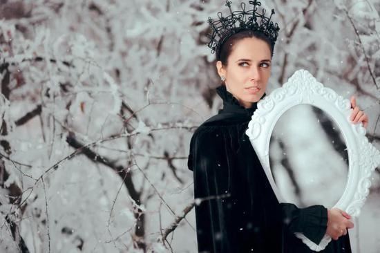 白雪公主的后妈(邪恶的BDD患者拿别人出气) | 图虫创意