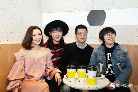 《【杏耀登陆注册】明星扎堆做奶茶,收割的是粉丝还是加盟商?》