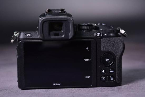 太阳2平台开户 2020年上市 腾龙E口70-180mm镜头宣布开发