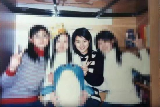 △小茉在日本读大学时的照片,这谁顶得住啊