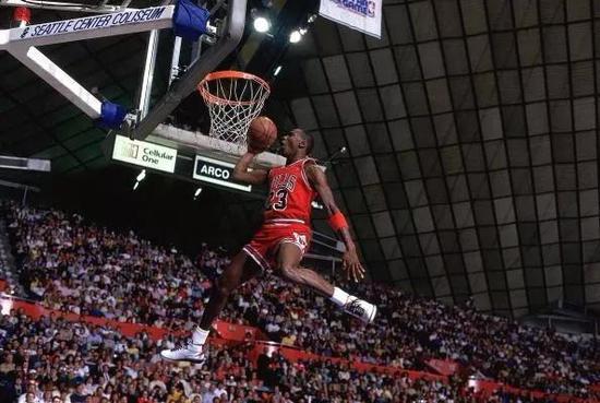 著名篮球运动员迈克尔·乔丹(图片来源:NBA中国官方网站)