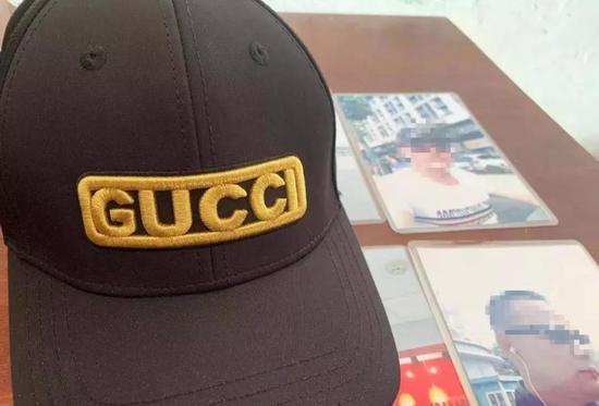 图|吴德宏今年唯一一件新衣物,一顶别人送的帽子